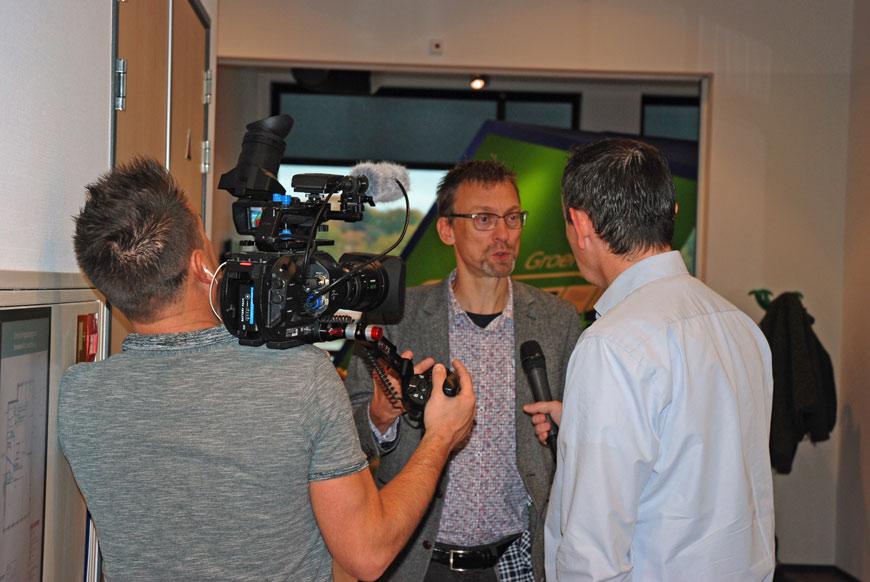 Ira Helsloot voor camera